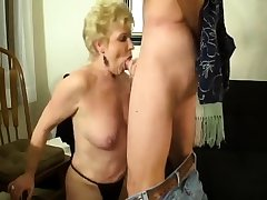 Milf does handjob after a long time doing a perfect blowjob to Al