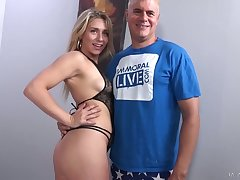 Getting empty remove of black overcrowd hottie Mickey Tyler gives girder impressive blowjob