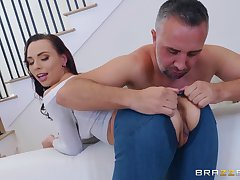 Aidra Fox likes to try new ways of reaching memorable orgasm with a dude