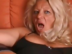 Gaped German mature latina squirts fast