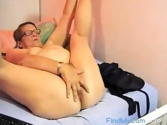 Muted BBW granny plays on cam