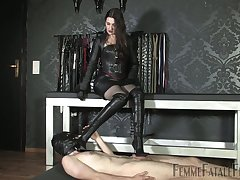 Mistress adjacent to malicious suit Victoria Valente punishes dick of nude duteous