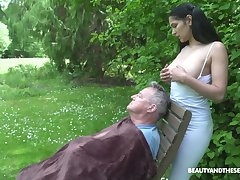 18 yo sitter Ava Felonious gives a blowjob nearby old fart with an increment of gets laid in dramatize expunge garden